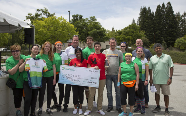 Freemont High School Winners with Scholarship Check and Silicon Valley Clean Energy Staff